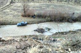 ۴ مصدوم و ۱ مفقودی در حادثه سقوط پژو به دره / تلاشها برای یافتن دختر ۶ ساله ادامه دارد