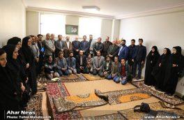 دیدار هنرمندان اهر با آیت اله حاجی زاده به مناسبت هفته هنر اسلامی