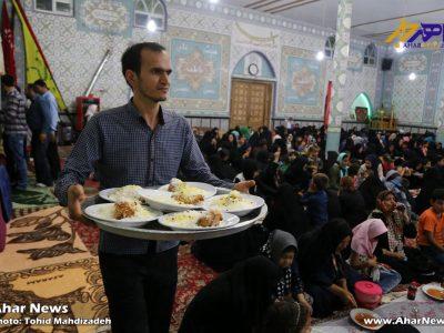 ضیافت افطاری ۶۰۰ نفر از مددجویان تحت پوشش کمیته امداد امام خمینی (ره) اهر