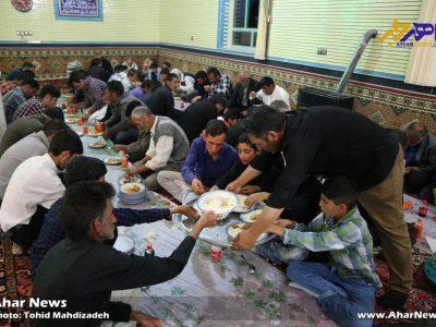 ضیافت افطاری ۶۰۰ نفر از مددجویان تحت پوشش کمیته امداد امام خمینی (ره) هریس