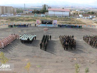 صبحگاه مشترک نیروهای نظامی، انتظامی و بسیج به مناسبت هفته دفاع مقدس در اهر