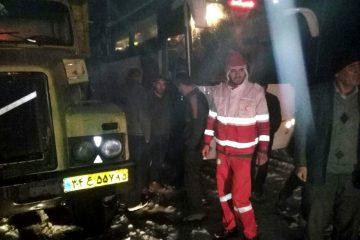 نجات ۴۵ دستگاه گرفتار در برف و کولاک کلیبر