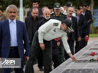 مراسم غبار روبی و عطر افشانی گلزار شهدا به مناسبت هفته نیروی انتظامی