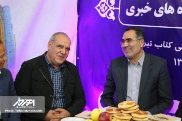 مسعودی ریحان از غرفه مطبوعات و پایگاه های خبری اهر بازدید کرد