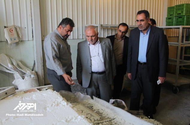 بازدید فرماندار و نماینده اهر از واحدهای تولیدی ناحیه صنعتی ۲۷ خرداد