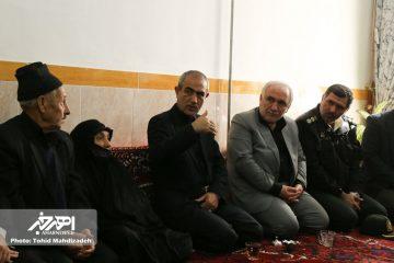 استاندار آذربایجان شرقى با خانواده شهید حمید عابدی در اهر دیدار کرد
