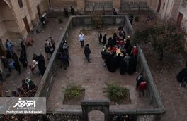 حضور شهروندان بر مزار شیخ شهاب الدین اهری در بعدازظهر اربعین حسینی