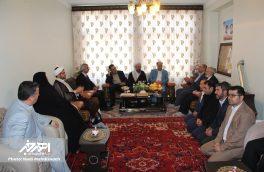 تجلیل از خانواده دانش آموز شهید در اهر با حضور معاون وزیر آموزش و پرورش