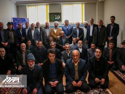 دیدار جمعی از خانواده های شاهد و ایثارگر با امام جمعه اهر به مناسبت روز شهدا