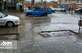 بارش سیل آسای باران و تگرگ در اهر / منازل و مغازه ها پر از آب شد + تصاویر