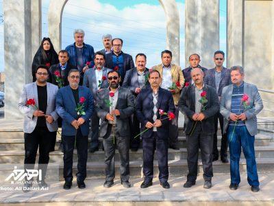 مراسم غبار روبی و عطر افشانی مزار شهدای هنرمند به مناسبت هفته هنر انقلاب اسلامی