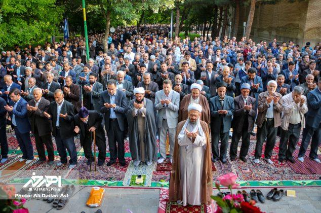 نماز عید سعید فطر به امامت آیت الله حاجی زاده در پارک شیخ شهاب الدین اهری