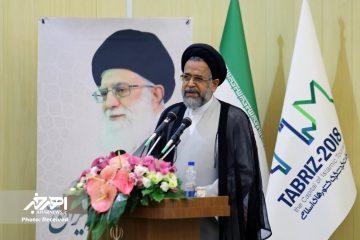 بایستی با وحدت و همدلی در پیشبرد اهداف انقلاب ایفای نقش کنیم / دشمنان ایران کاری از پیش نخواهند برد