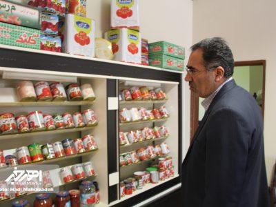 بازدید فرماندار اهر از واحد تولید و بسته بندی رب گوجه فرنگی در این شهرستان
