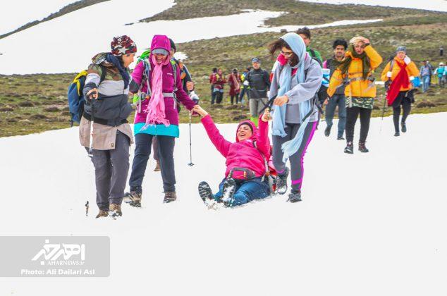 صعود سراسری کارگران کوهنورد ۱۶ استان کشور به قله فندقلوی شهرستان اهر