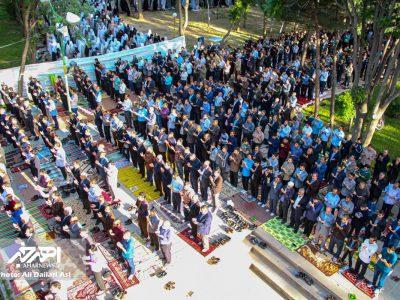 نماز عید سعید فطر در باغ مزار شیخ شهاب الدین اهری