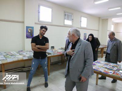 حضور نماینده اهر و هریس در کتابخانه آیت الله نجفی و بازدید از نمایشگاه کتاب واقع در این مجموعه