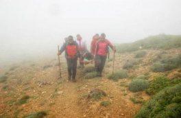 امدادرسانی نجاتگران شهرستان هوراند به فرد سقوط کرده در کوه