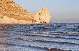 کاهش حجم آب دریاچه ارومیه به ۳.۲۹ میلیارد متر مکعب