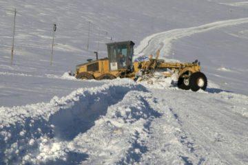 راه ۴۰ روستای اهر بر اثر کولاک مسدود شد