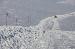 کولاک راه ارتباطی ۴۰ روستای آذربایجان شرقی را مسدود کرد
