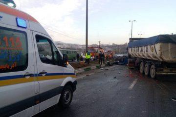 برخورد شدید اتوبوس، تریلی و نیسان در سه راهی اهر- تبریز