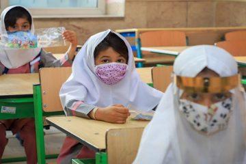 بازگشایی مدارس مشروط به واکسیناسیون عمومی است/ آموزش آنلاین فرصتی برای دولت الکترونیک بود