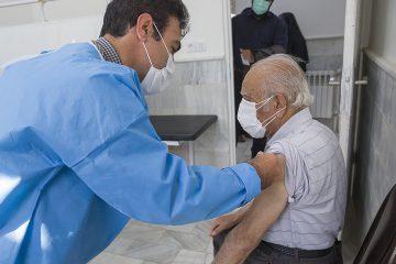 یک سوم افراد ۷۰ تا ۷۵ ساله در آذربایجان شرقی واکسینه شدند